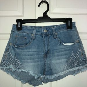 Super stretch denim shorts